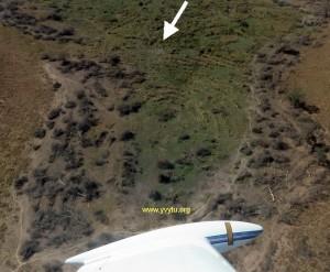 Vista aérea del cañadón donde el Tte. 2 PAM Arsenio Vaesken logró aterrizar con su Potez en llamas.